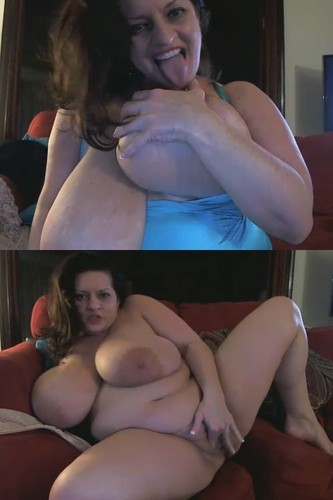 Maria Moore   Showing Monstrous Tits and plays with her pussy Camshow