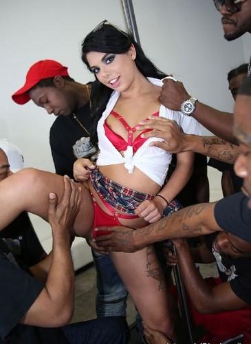 Gina Valentina - Interracial Blowbang - InterracialBlowbang (SD)