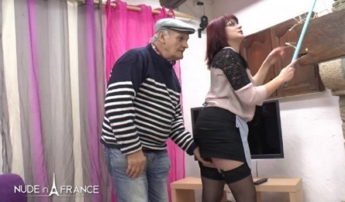 Charlotte Lapyne - The real chubby redhead french maid gets plugged before providing a handjob happy ending to GrandPa - NudeInFrance (SD)